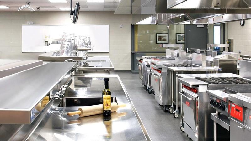 Bếp từ công nghiệp với thiết kế đa dạng